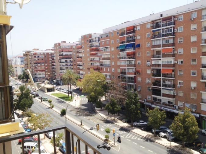 Venta piso en avenida de velazquez malaga de 75m2 con 3 dormitorios inmobiliaria bestpisos - Pisos de bancos en malaga ...