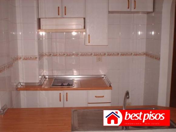 Venta apartamento en hacienda de 1 dormitorio y 45 m2 en for Pisos baratos en benalmadena